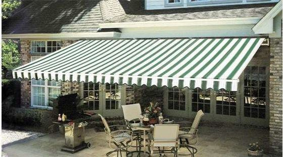 China Awning Stripe 480g Fire Resistant Tarpaulin UV Resistant With 35% Polyester supplier